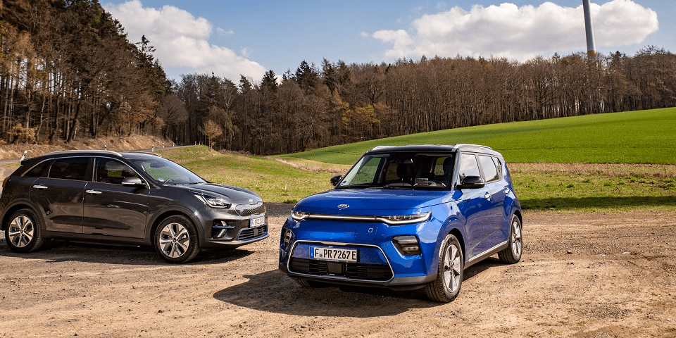 Kia_e-soul_and_Kia_e-niro_1200x480